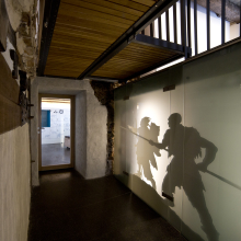 urmu - Durchgang zur Ausstellung