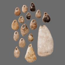 Brillenhöhle - Elfenbeinanhänger (© urmu)